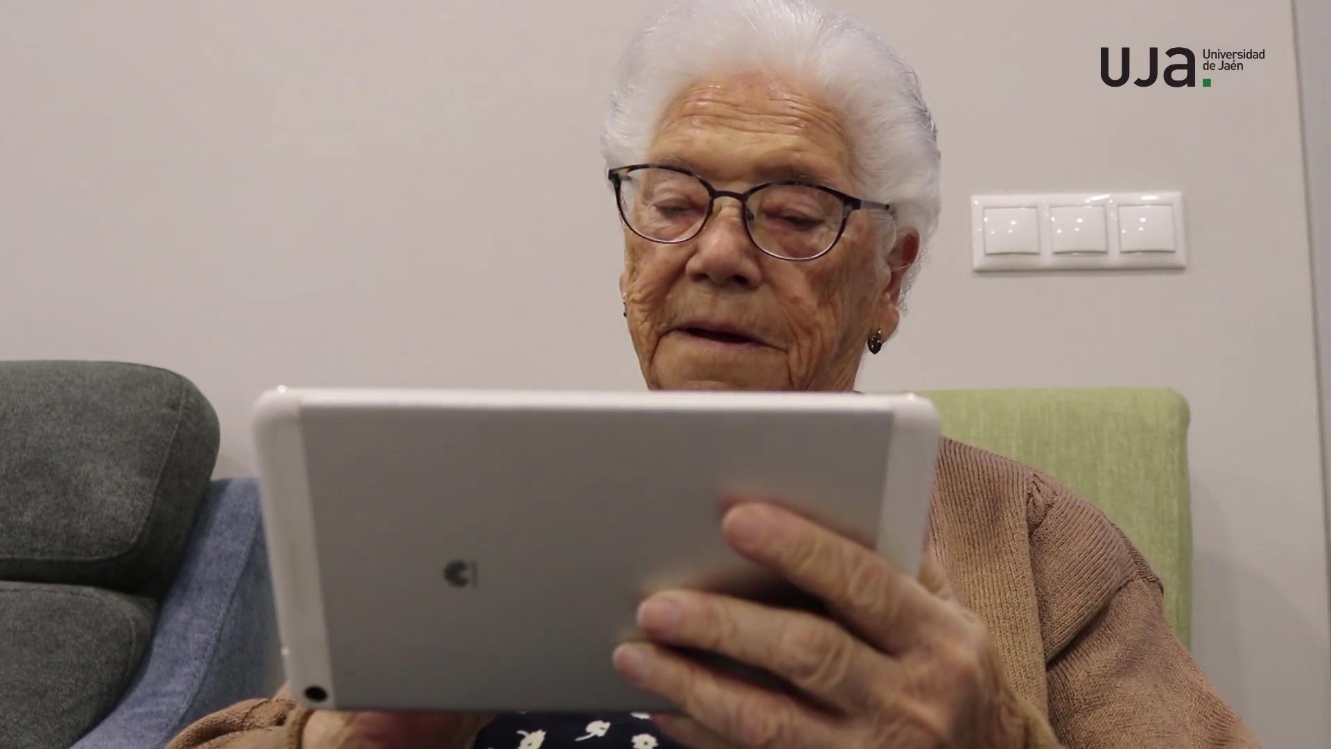 Uso de la tecnología con personas mayores como fuente de empleo para trabajadores sociales