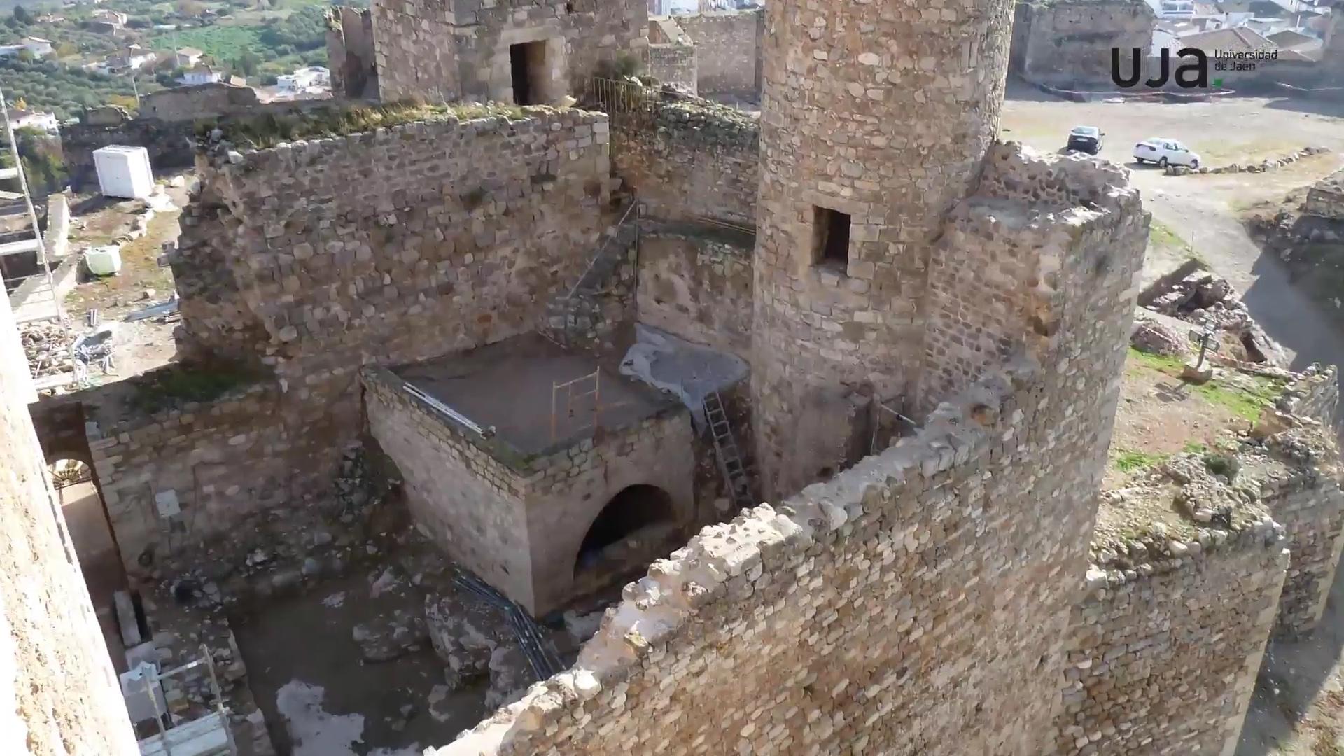 Hallan restos de una antigua fortificación iberorromana bajo el Castillo de La Guardia